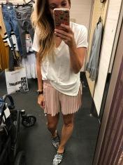 Lush V-neck, pleated shorts